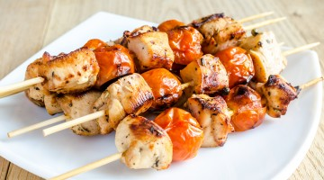 Dukan kuren - grillspyd med kylling og tomater